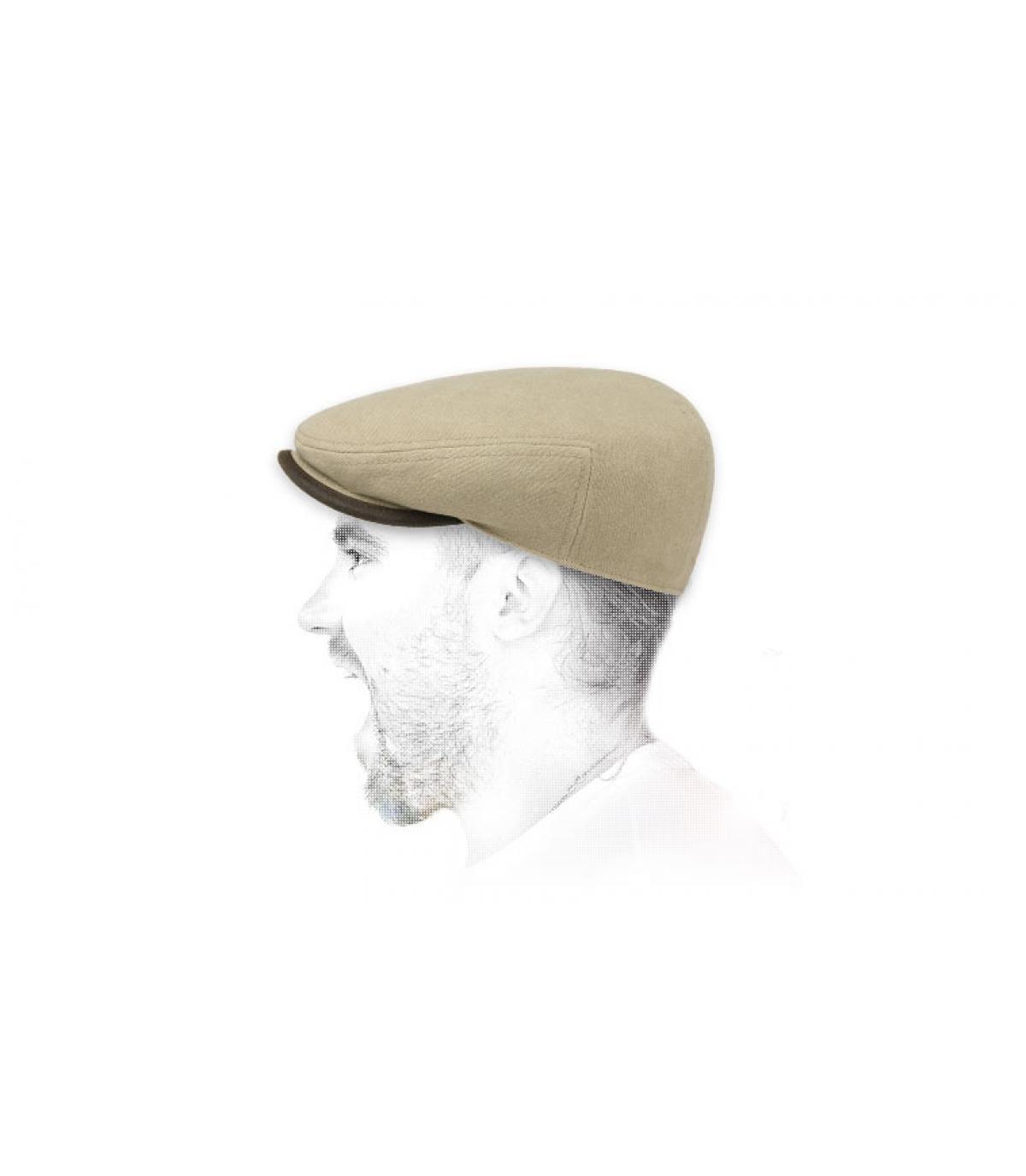 gorra plana de algodón de color beige