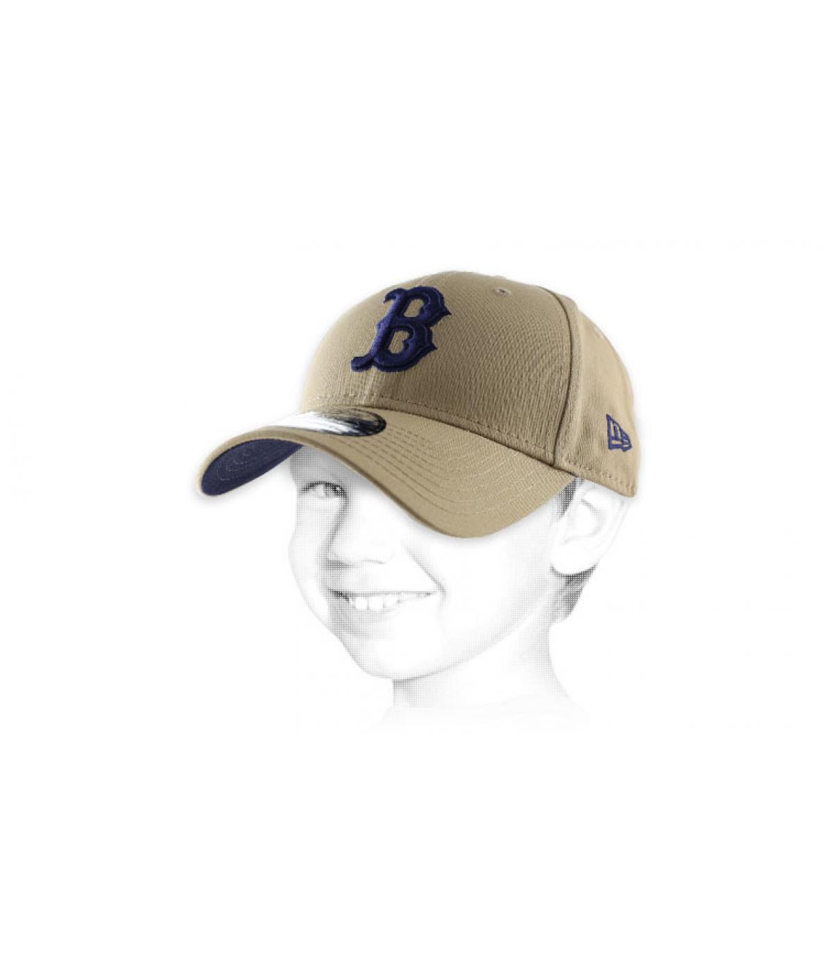 gorra de color beige infantil B