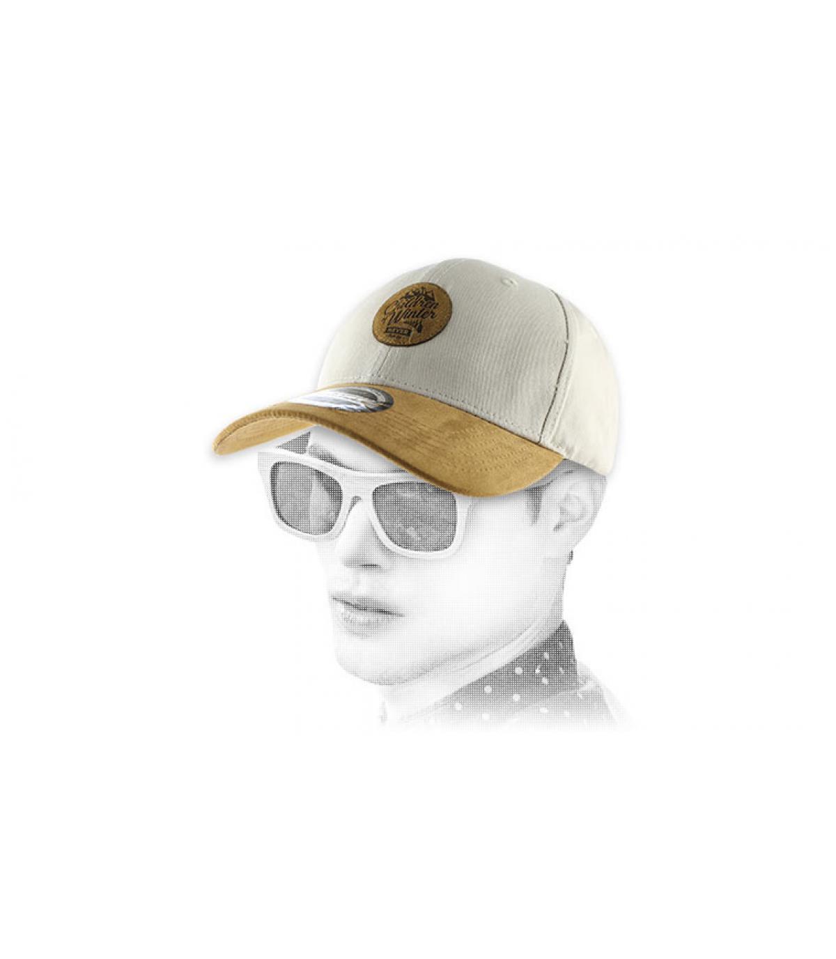 gorra curva niños de invierno de color beige