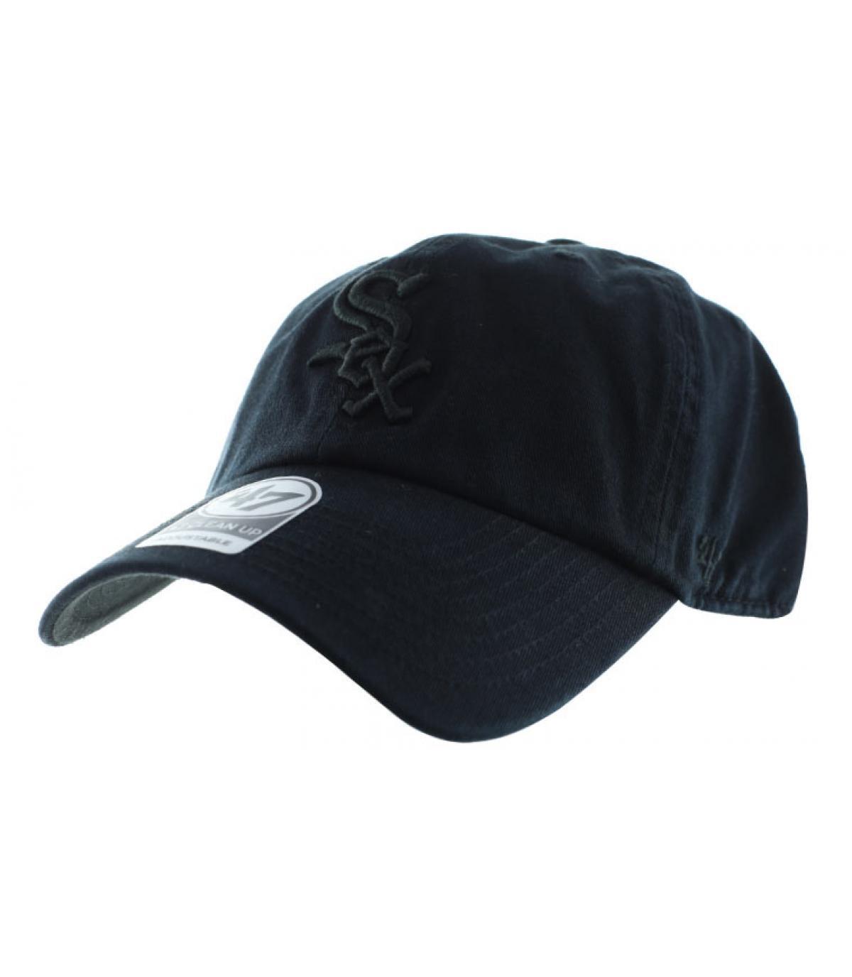 curva de negro gorra Sox
