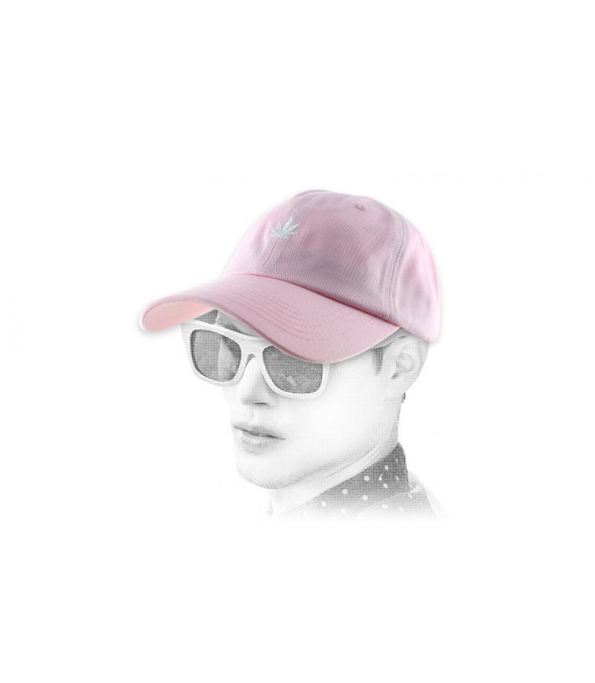 cannabis gorra rosa
