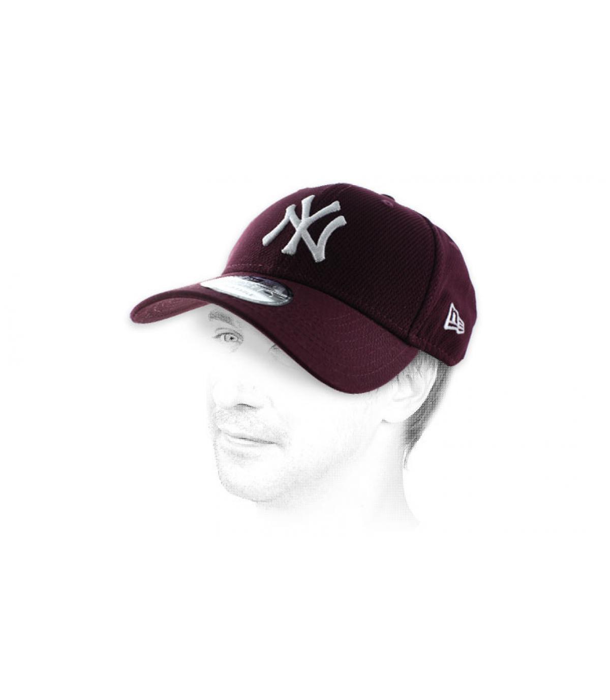 NY gorra de diamantes burdeos