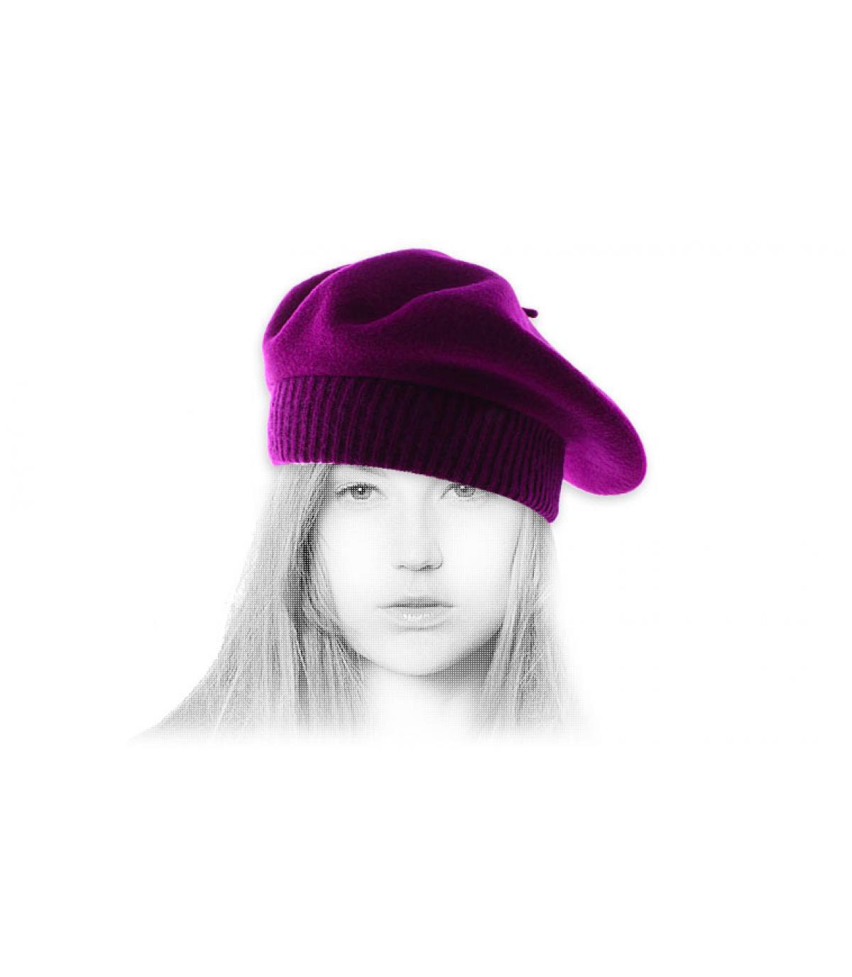 púrpura costilla boina
