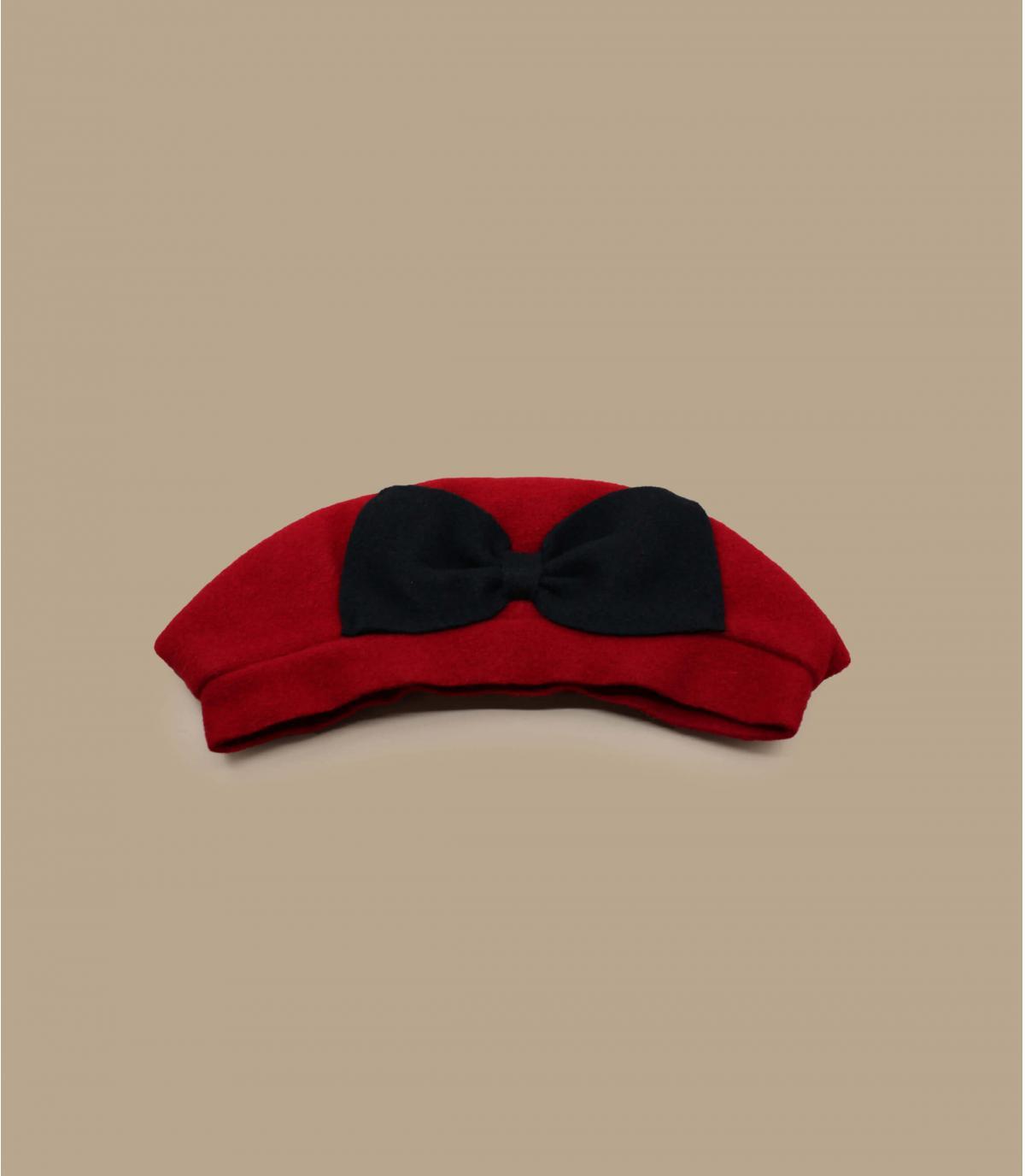 boina roja arco negro