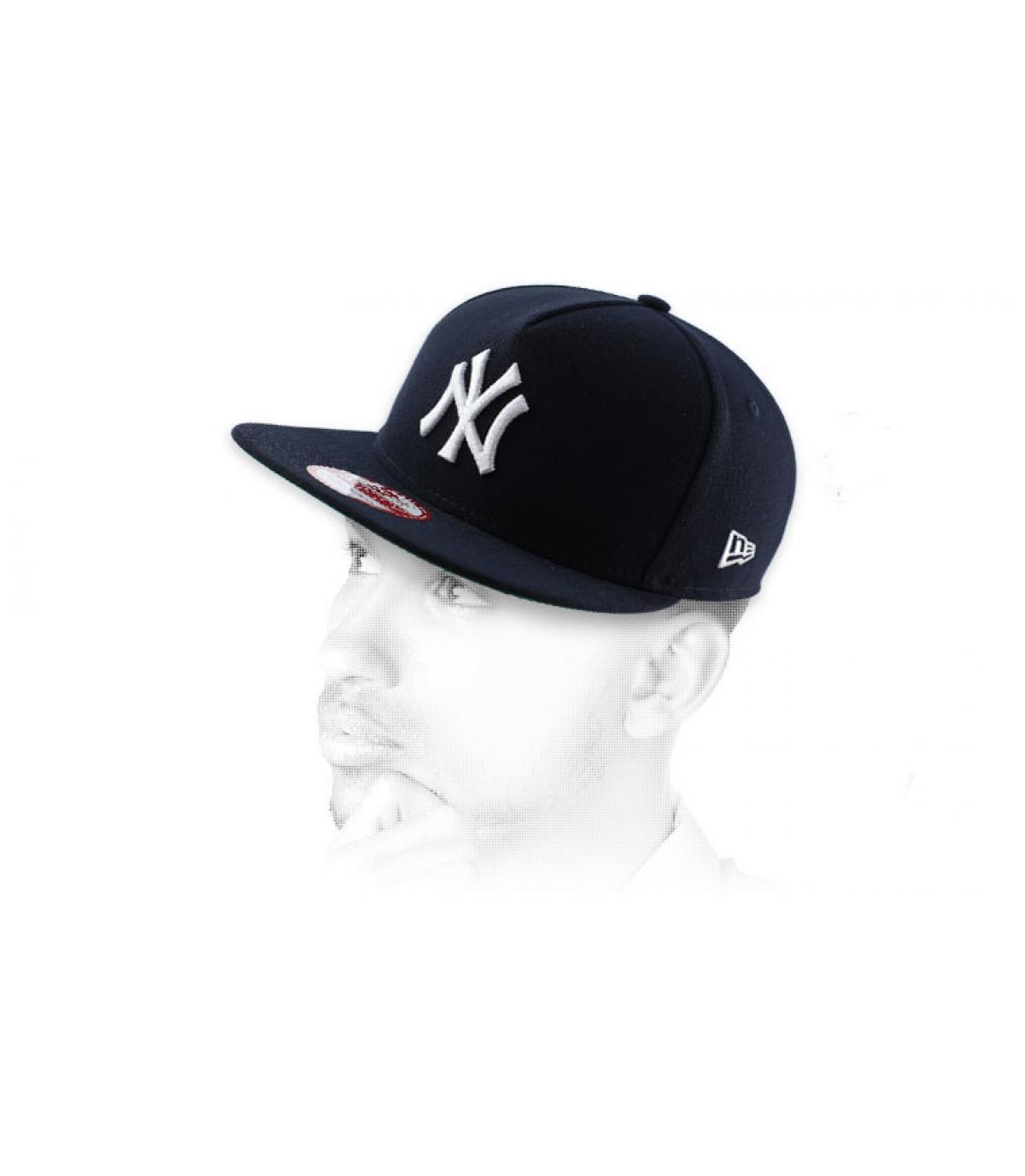 snapback negro NY