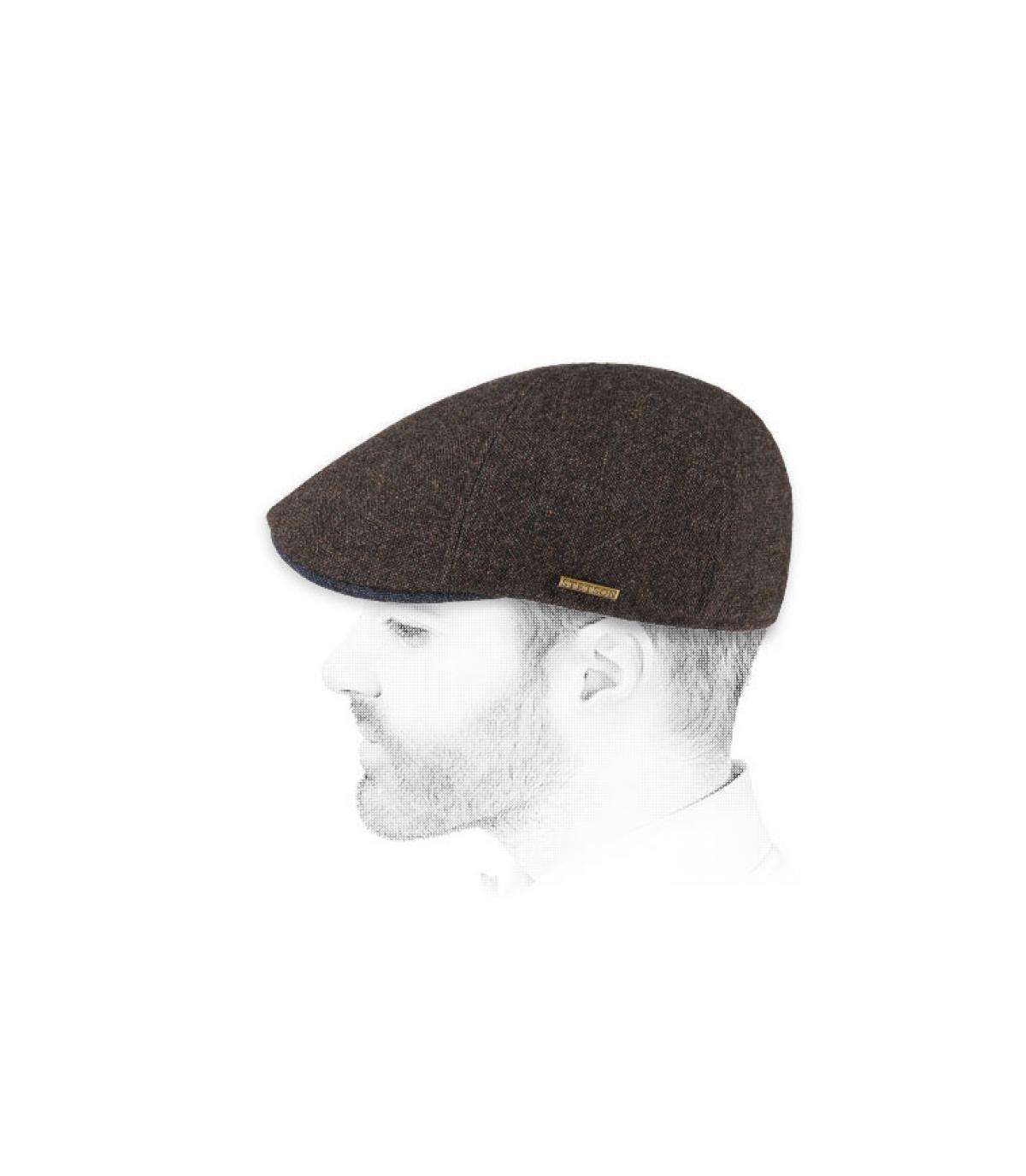 lana marrón tapa de pico de pato