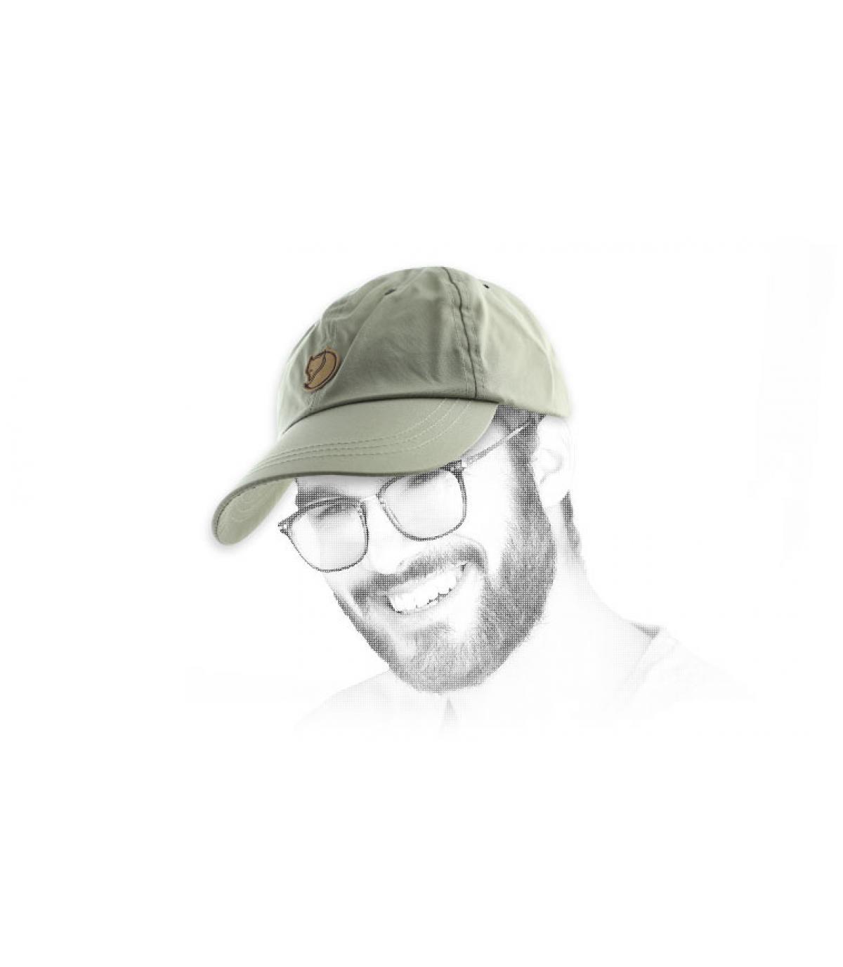curva gorra de color caqui Fjällräven