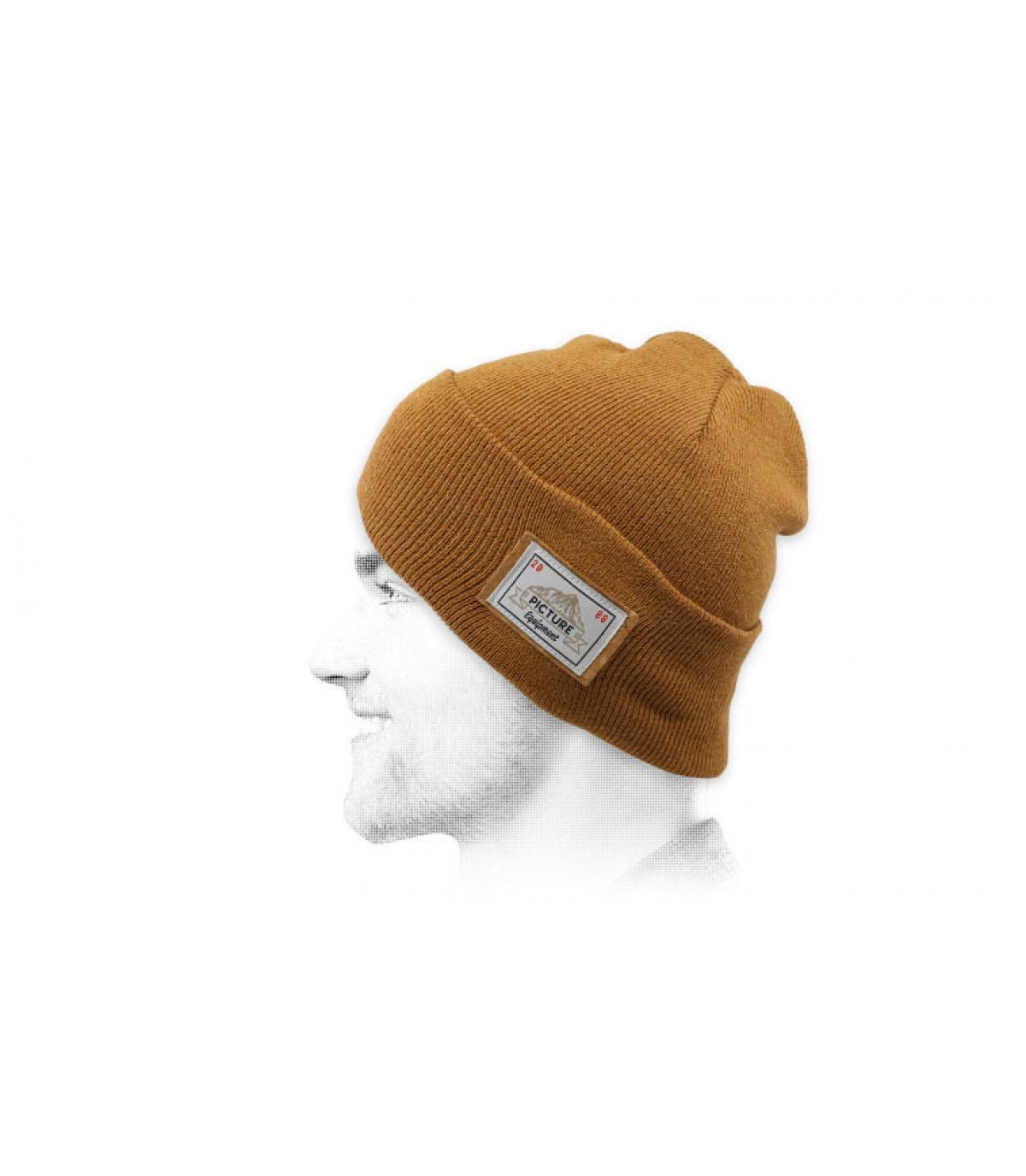 sombrero de la solapa de imagen de color beige