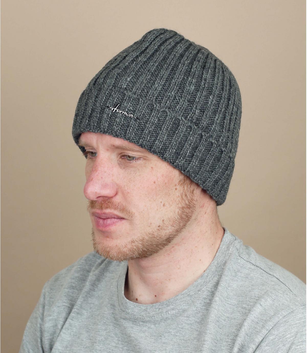 solapa sombrero de lana gris