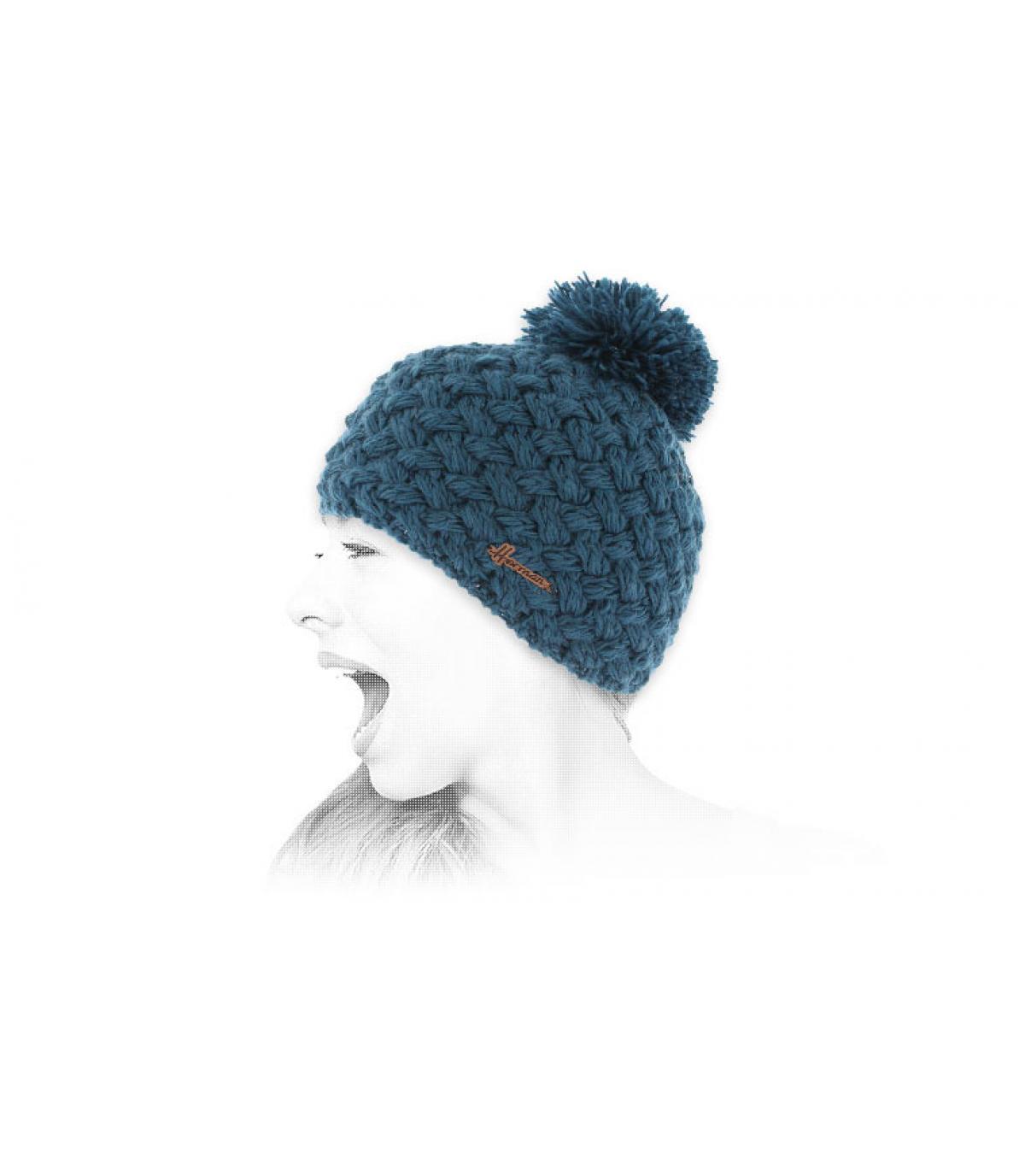 gorro de lana azul borla