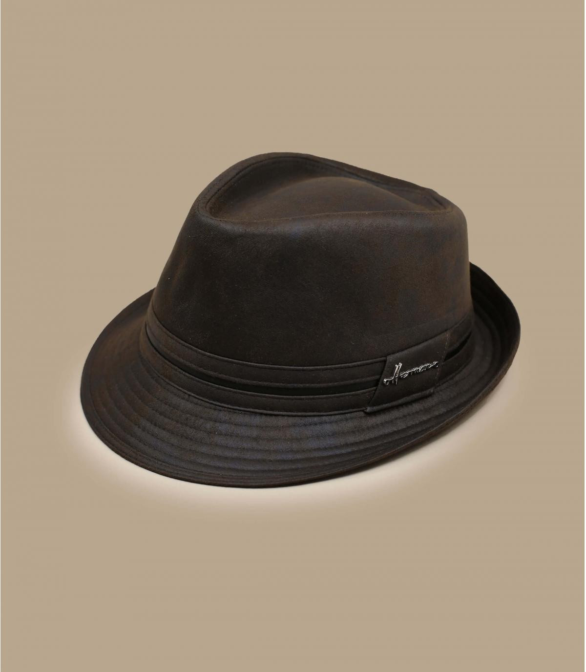 Trilby brown