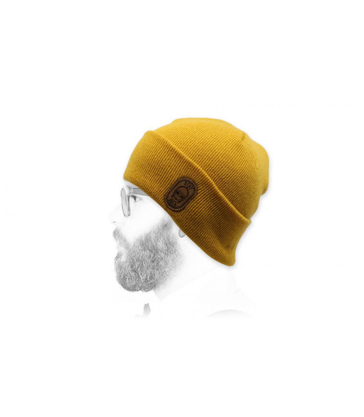 gorro robot amarillo