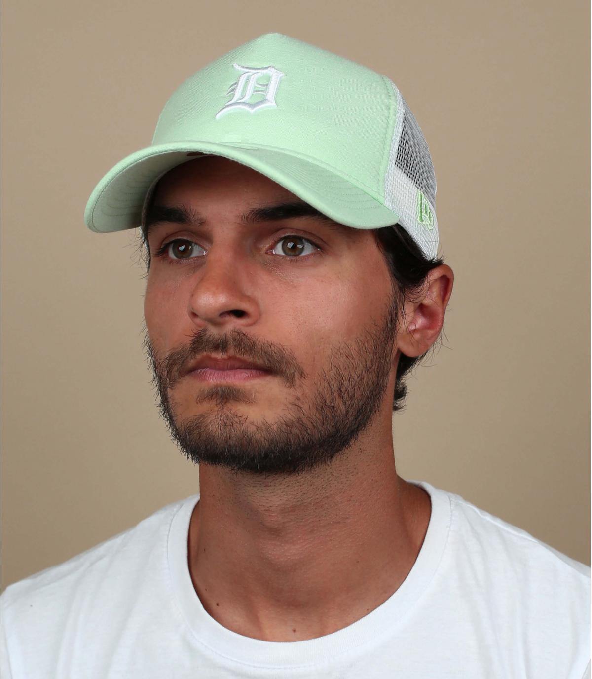 trucker D verde claro