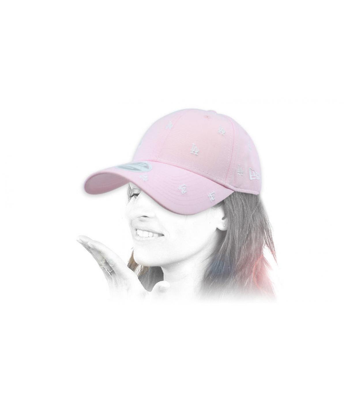 2718b008dfaa0 New Era Wmns Jersey 9Forty NY mint. 32€ - Indisponible. gorra mujer LA rosa  monograma
