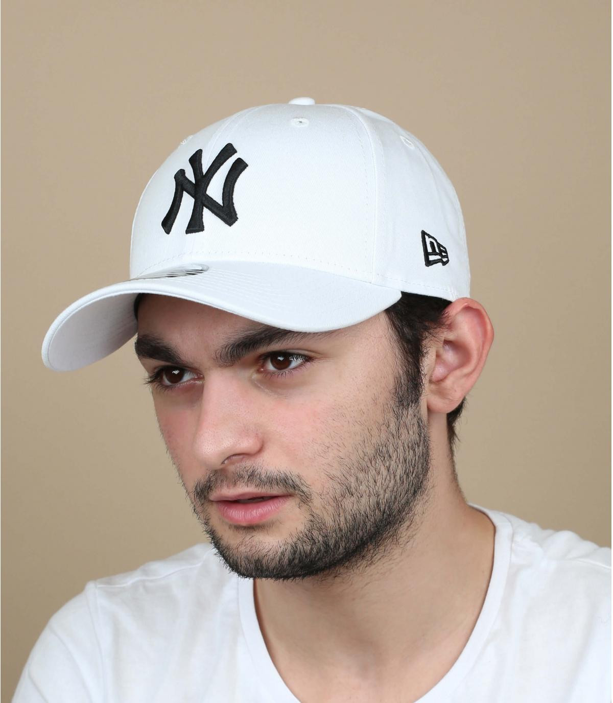 White trucker NY fitted