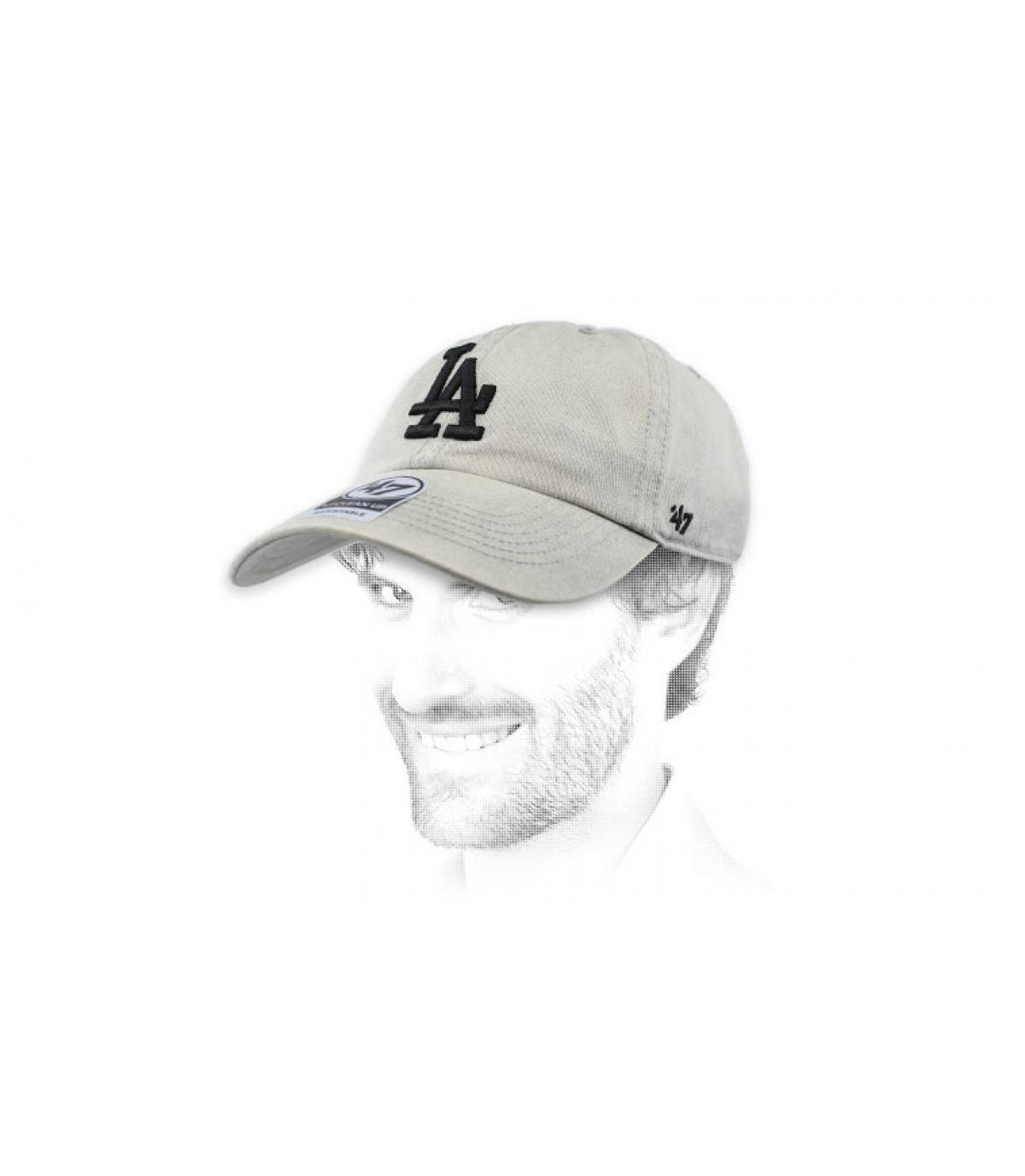 gorra LA gris claro