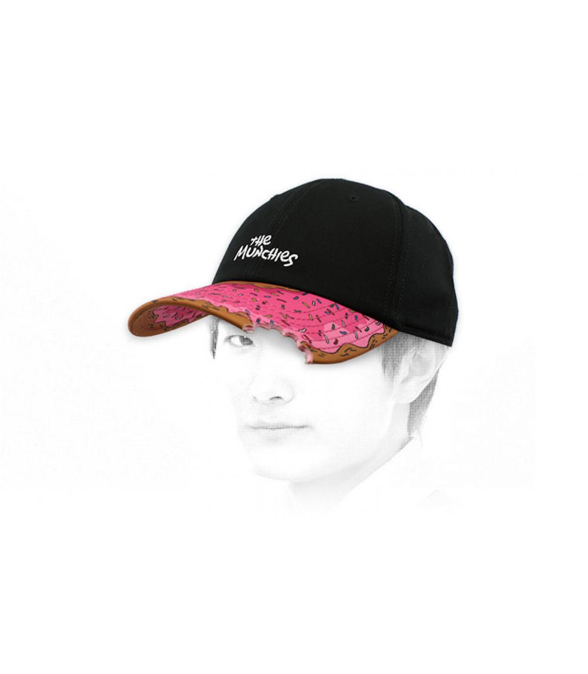gorra donut negro rosa